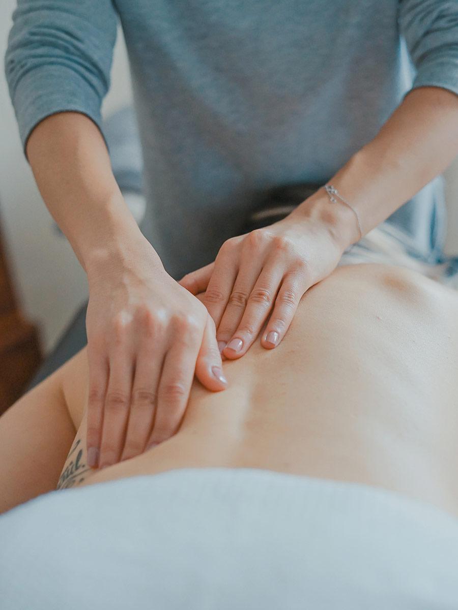 Man giving back massage